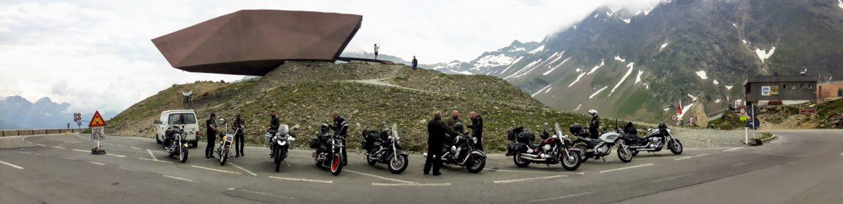NRW on Tour auf dem Timmelsjoch zwischen Österreich und Italien.
